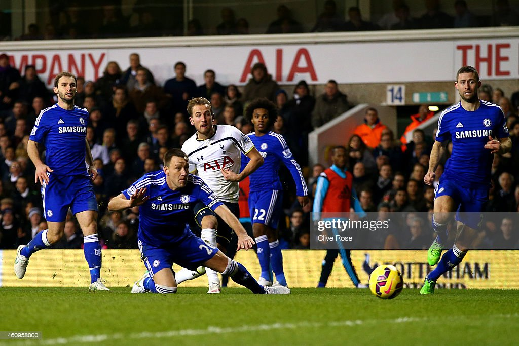 Harry Kane of Spurs scores his team's fourth goal during the Barclays Premier League match between Tottenham Hotspur and Chelsea at White Hart Lane on January 1, 2015 in London, England.