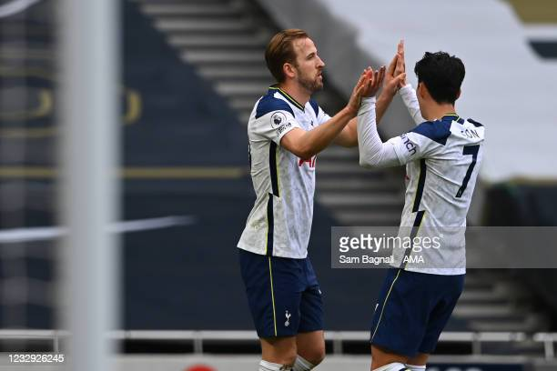 Harry Kane of Tottenham Hotspur celebrates after scoring a goal to make it 1-0 during the Premier League match between Tottenham Hotspur and...