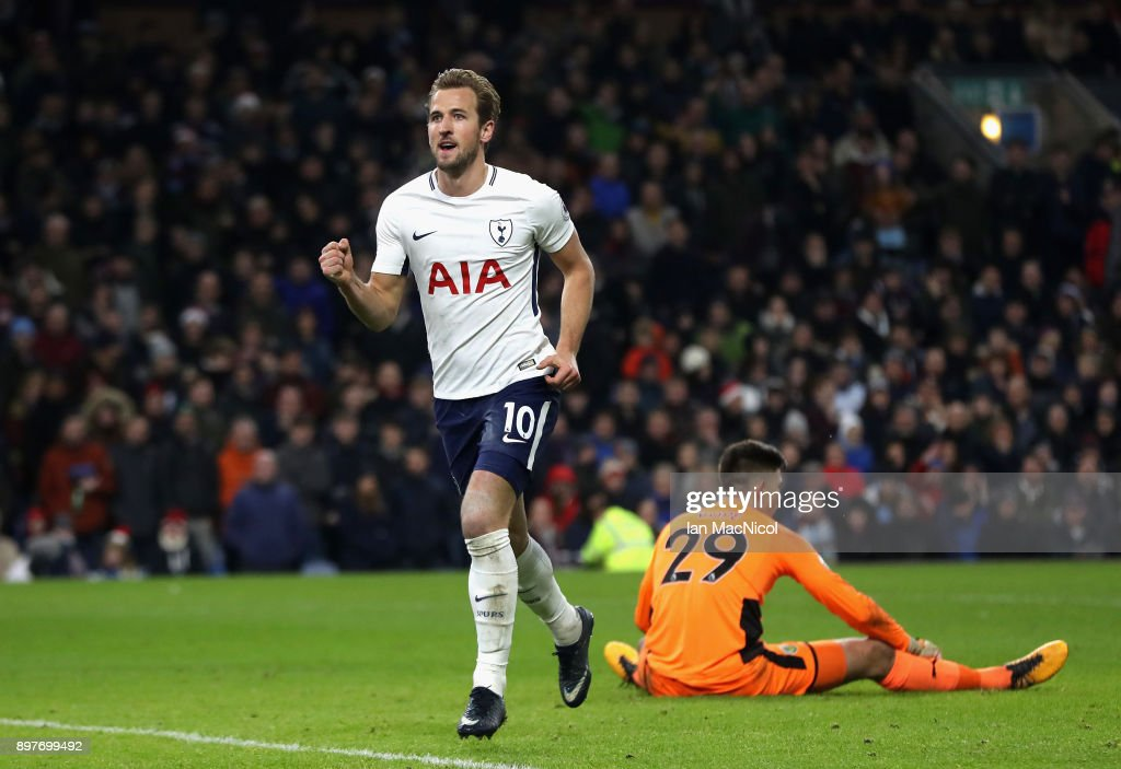 Burnley v Tottenham Hotspur - Premier League : News Photo
