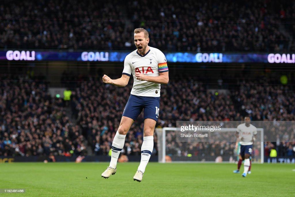 Tottenham Hotspur v Burnley FC - Premier League : Fotografía de noticias