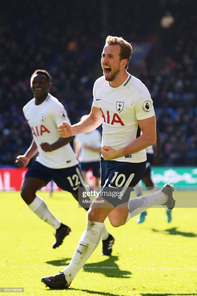 Harry Kane of Tottenham Hotspur celebrates after scoring the late winner during the Premier League match between Crystal Palace and Tottenham Hotspur at Selhurst Park on February 25, 2018 in London, England.