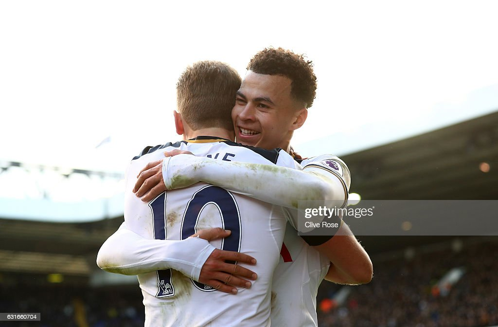 Harry Kane of Tottenham Hotspur (L) celebrates scoring his sides fourth goal with Dele Alli of Tottenham Hotspur (R) during the Premier League match between Tottenham Hotspur and West Bromwich Albion at White Hart Lane on January 14, 2017 in London, England.
