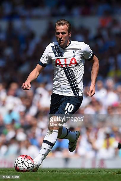 Harry Kane of Tottenham Hotspur in action during the Barclays Premier League match between Tottenham Hotspur and Southampton at White Hart Lane on...