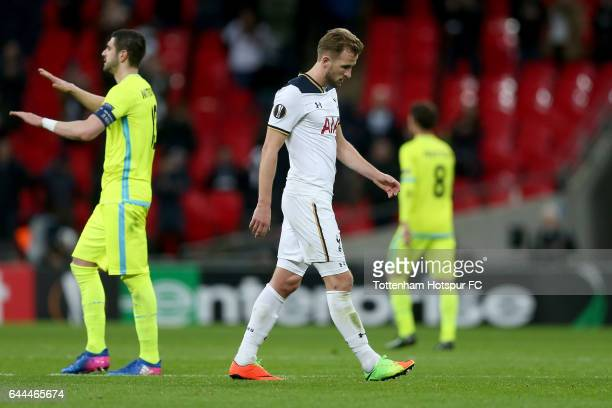 Harry Kane of Tottenham Hotspur looks dejected after the UEFA Europa League Round of 32 second leg match between Tottenham Hotspur and KAA Gent at...