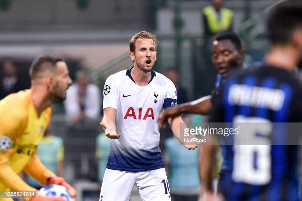 Harry Kane of Tottenham Hotspur looks dejected during the UEFA Champions League Group B match between Inter Milan and Tottenham Hotspur at Stadio San...