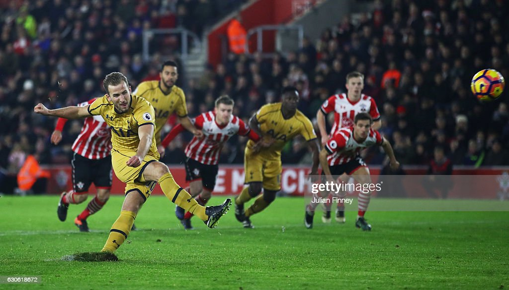 Harry Kane of Tottenham Hotspur misses a penalty kick during the Premier League match between Southampton and Tottenham Hotspur at St Mary's Stadium on December 28, 2016 in Southampton, England.