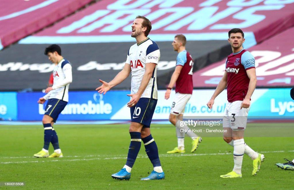 West Ham United v Tottenham Hotspur - Premier League : News Photo