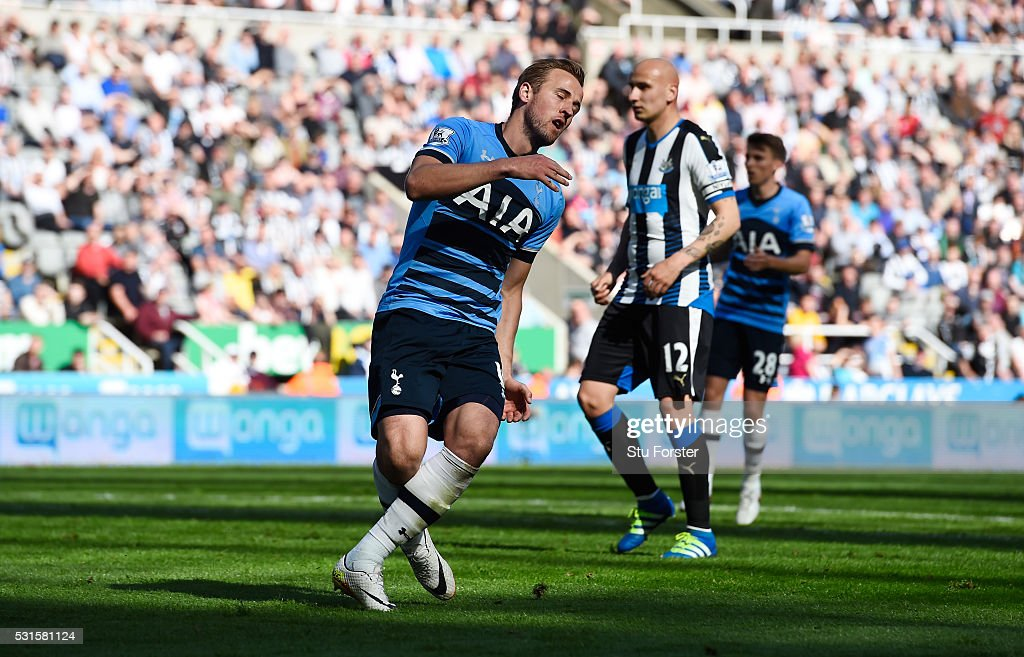 Harry Kane of Tottenham Hotspur reacts during the Barclays Premier League match between Newcastle United and Tottenham Hotspur at St James' Park on May 15, 2016 in Newcastle, England.
