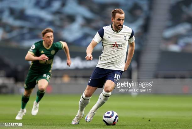 Harry Kane of Tottenham Hotspur runs with the ball during the Premier League match between Tottenham Hotspur and Sheffield United at Tottenham...