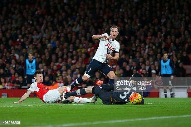 Harry Kane of Tottenham Hotspur scores a goal to make it 01 during the Barclays Premier League match between Arsenal and Tottenham Hotspur at...