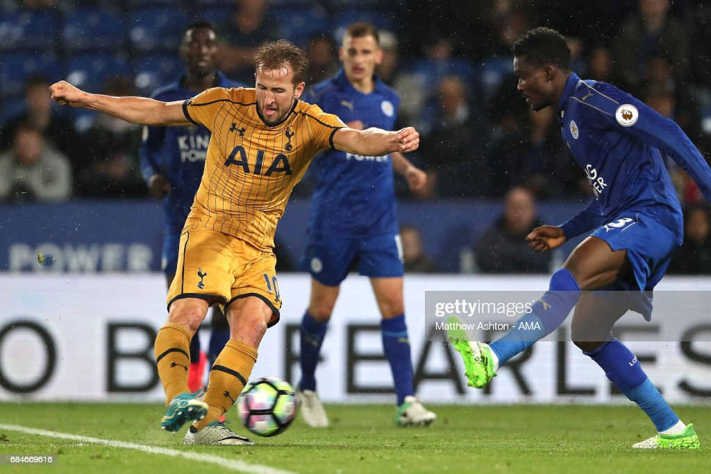 Harry Kane of Tottenham Hotspur scores a goal to make it 1-6 during the Premier League match between Leicester City and Tottenham Hotspur at The King Power Stadium on May 18, 2017 in Leicester, England.