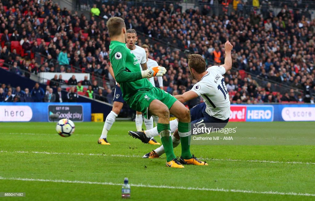 Harry Kane of Tottenham Hotspur scores a goal to make it 4-1 during the Premier League match between Tottenham Hotspur and Liverpool at Wembley Stadium on October 22, 2017 in London, England.