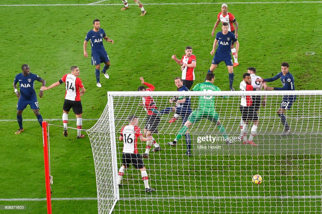 Harry Kane of Tottenham Hotspur scores during the Premier League match between Southampton and Tottenham Hotspur at St Mary's Stadium on January 21, 2018 in Southampton, England.