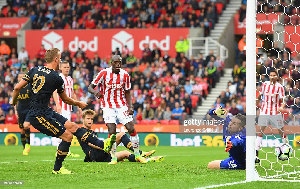 Harry Kane of Tottenham Hotspur scores his sides first goal during the Premier League match between Stoke City and Tottenham Hotspur at Britannia Stadium on September 10, 2016 in Stoke on Trent, England.