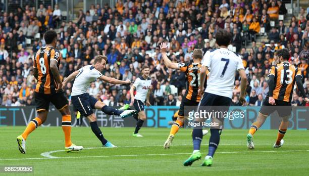Harry Kane of Tottenham Hotspur scores his sides first goal during the Premier League match between Hull City and Tottenham Hotspur at the KC Stadium...