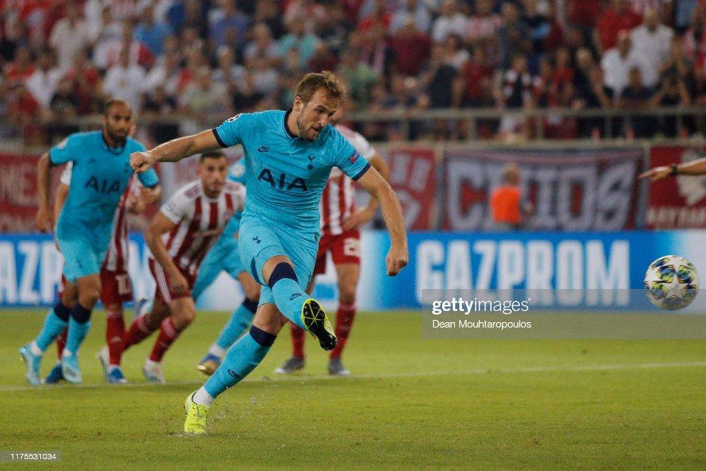 Olympiacos FC v Tottenham Hotspur: Group B - UEFA Champions League : News Photo