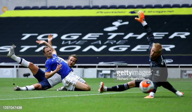 Harry Kane of Tottenham Hotspur scores his teams second goal during the Premier League match between Tottenham Hotspur and Leicester City at...