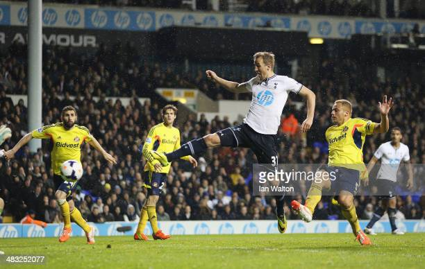 Harry Kane of Tottenham Hotspur scores his team's second goal during the Barclays Premier League match between Tottenham Hotspur and Sunderland at...