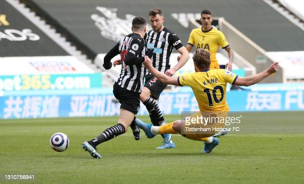 Harry Kane of Tottenham Hotspur sees his shot hit the post during the Premier League match between Newcastle United and Tottenham Hotspur at St....