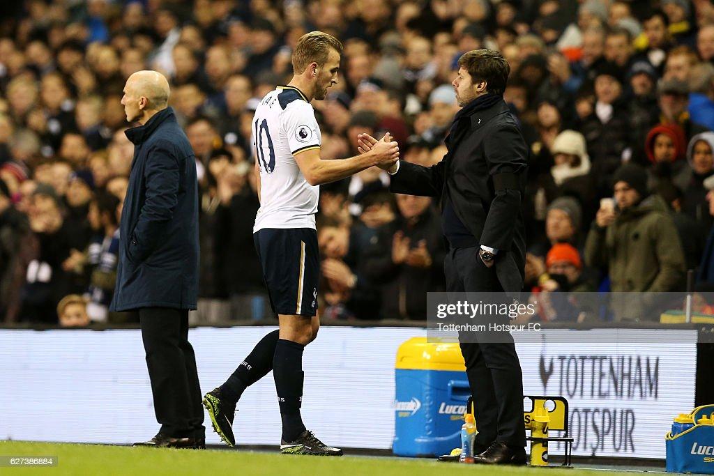 Tottenham Hotspur v Swansea City - Premier League : ニュース写真
