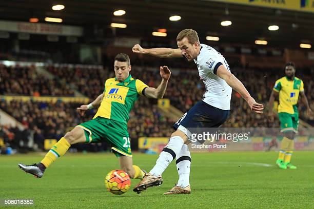 Harry Kane of Tottenham Hotspur shoots at goal during the Barclays Premier League match between Norwich City and Tottenham Hotspur at Carrow Road on...