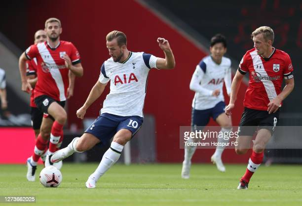 Harry Kane of Tottenham Hotspur shoots during the Premier League match between Southampton and Tottenham Hotspur at St Mary's Stadium on September...