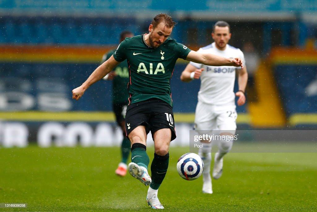 Leeds United v Tottenham Hotspur - Premier League : News Photo