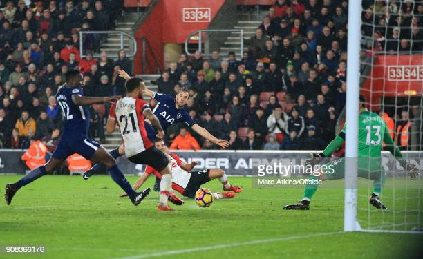 Harry Kane of Tottenham Hotspur shoots wide late in the game during the Premier League match between Southampton and Tottenham Hotspur at St Mary's...