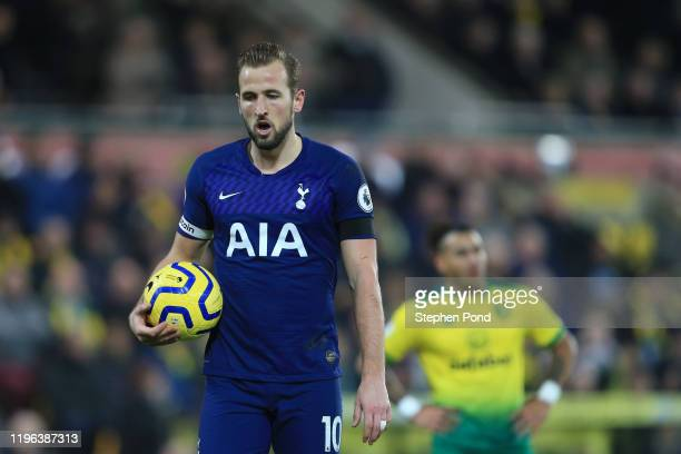 Harry Kane of Tottenham Hotspur walks to the penalty spot prior to scoring the second goal for Tottenham Hotspur from the penalty spot during the...