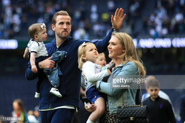 Harry Kane of Tottenham Hotspur walls the pitch with his family after the Premier League match between Tottenham Hotspur and Everton FC at Tottenham...