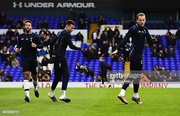 Harry Kane of Tottenham Hotspur warms up with Mousa Dembele and Dele Alli of Tottenham Hotspur prior to the Barclays Premier League match between...