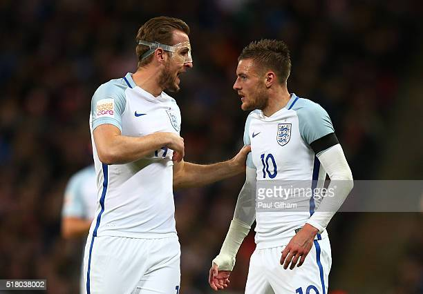 Harry Kane talks with Jamie Vardy of England during the International Friendly match between England and Netherlands at Wembley Stadium on March 29...