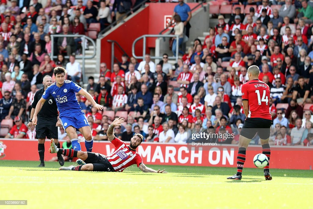 Harry Maguire of Leicester City scores the winning goal during the Premier League match between Southampton FC and Leicester City at St Mary's Stadium on August 25, 2018 in Southampton, United Kingdom.