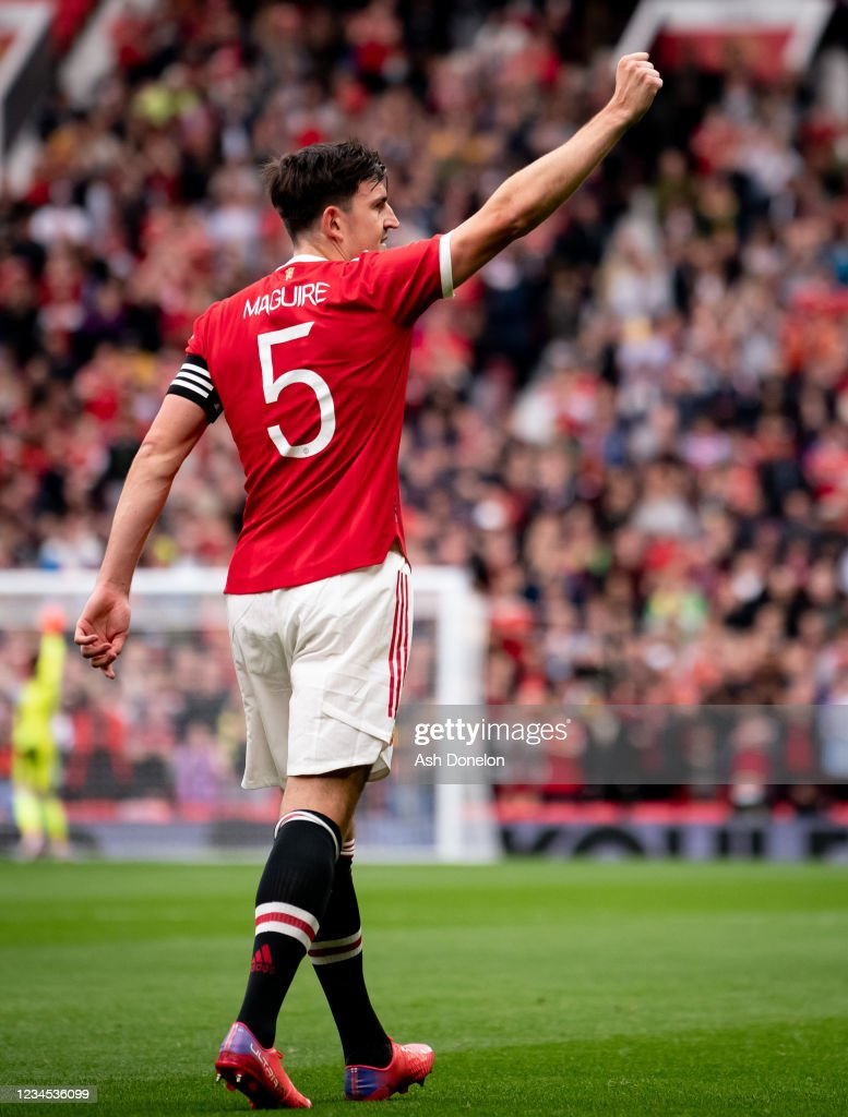 Harry Maguire of Manchester United celebrates scoring a goal to make...  Foto di attualità - Getty Images