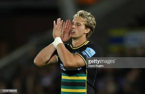 Harry Mallinder of Northampton issues instructions during the Gallagher Premiership Rugby match between Northampton Saints and Harlequins at...