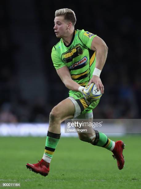 Harry Mallinder of Northampton runs with the ball during the Aviva Premiership Big Game 10 match between Harlequins and Northampton Saints at...