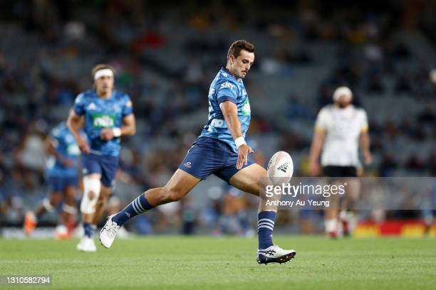 Harry Plummer of the Blues puts in a kick during the round 6 Super Rugby Aotearoa match between the Blues and the Hurricanes at Eden Park, on April...