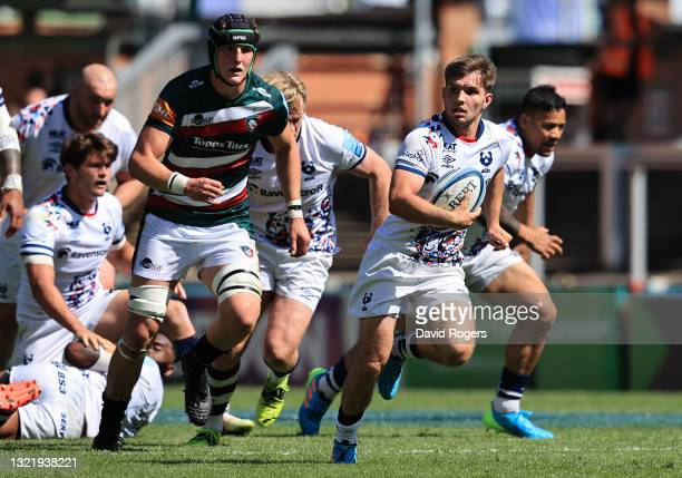Harry Randall of Bristol Bears breaks clear to score a solo first half try during the Gallagher Premiership Rugby match between Leicester Tigers and...