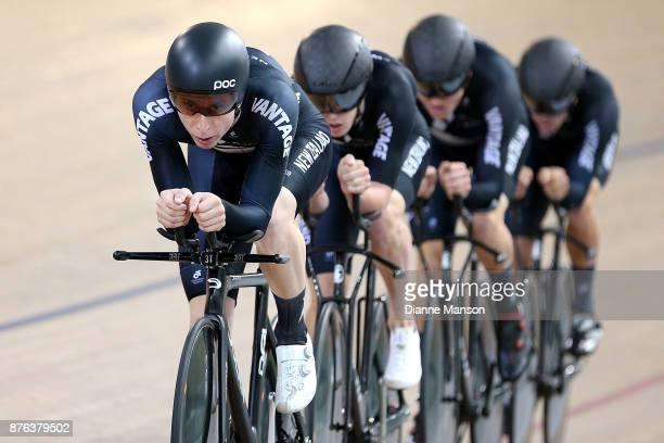 Harry Waine of New Zealand leads out front of the New Zealand team consisting of Jared Gray Nicholas Kergozou Tom Sexton and Harry Waine in the Men...