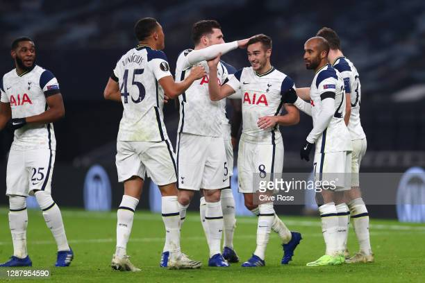 Harry Winks of Tottenham Hotspur celebrates after scoring their team's third goal with his team mates during the UEFA Europa League Group J stage...