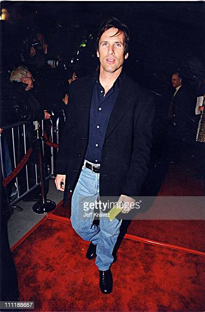 Hart Bochner at the 1998 premiere of Shakespeare in Love in Los Angeles