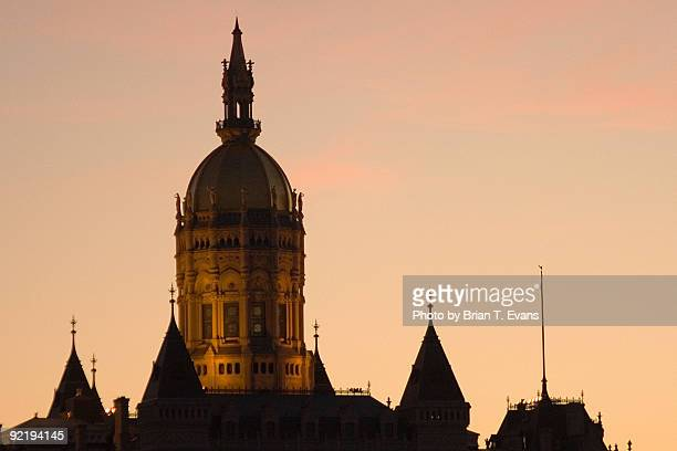 hartford capitol at dusk - hartford connecticut stock pictures, royalty-free photos & images