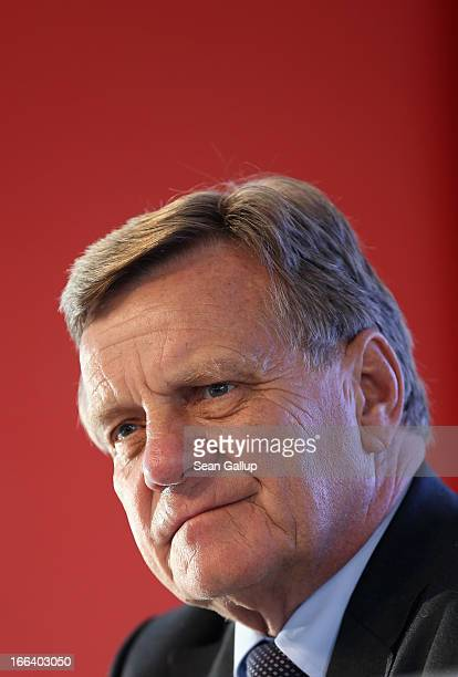 Hartmut Mehdorn head of the management board of Berlin's new Willy Brandt Berlin Brandenburg International Airport speaks to the media following a...