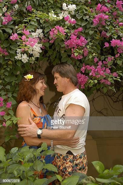 """Hartmut Schreier, Ehefrau Sabine Schreier, Urlaub, Sambirenteng/Bali/Indonesien/Asien, , Hotel: """"Alam Anda - Beach Bungalow Resort"""", Schauspieler,..."""