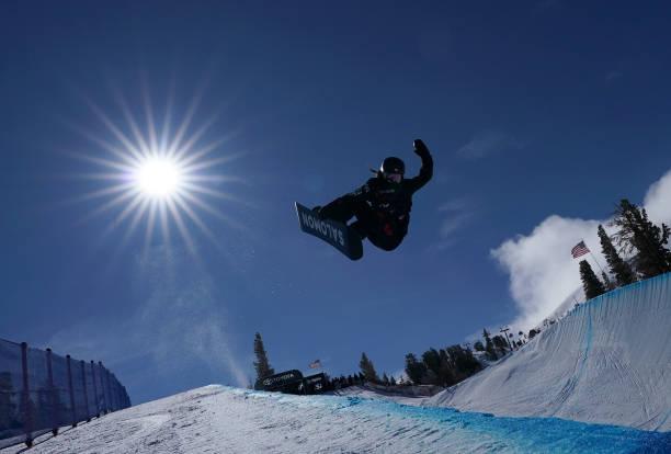 CA: 2019 U.S. Grand Prix at Mammoth Mountain - Snowboard Halfpipe Qualifiers