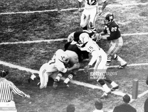 Harvard University's Bruce Freeman runs into the end zone after catching a pass during the final 42 seconds of The Game against Yale University at...