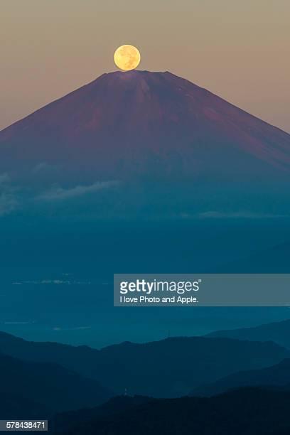 Harvest moon on Fuji