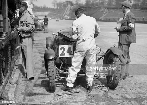 Harvey and HJ Aldington's Frazer-Nash at the JCC Double Twelve race, Brooklands, 8/9 May 1931. Frazer-Nash 1496 cc. Event Entry No: 24 Driver:...