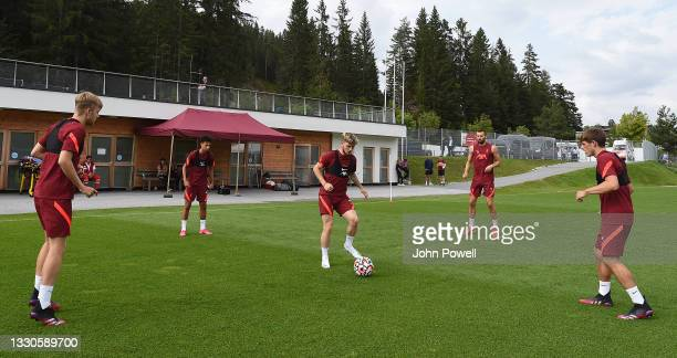Harvey Elliott of Liverpool in the middle during a training session on July 25, 2021 in UNSPECIFIED, Austria.