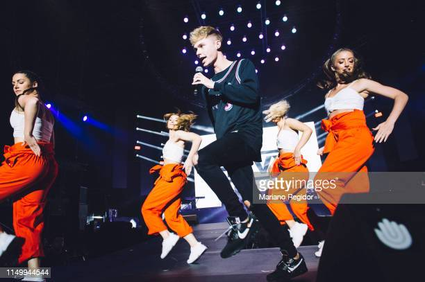 Harvey Leigh aka HRVY performs on stage during LOS40 Primavera Pop festival at Madrid WiZink Center on May 17 2019 in Madrid Spain